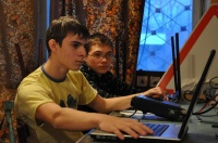 Вова и Леша работают на радиостанции