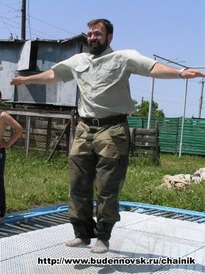 Алексей на батуте