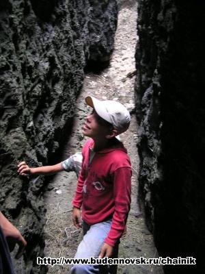 Саша в глубине ращелины